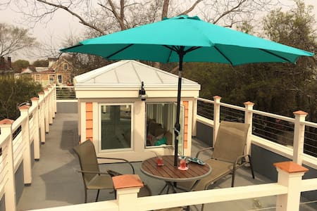 Downtown Apartment with Roof Deck - Charleston - Apartemen