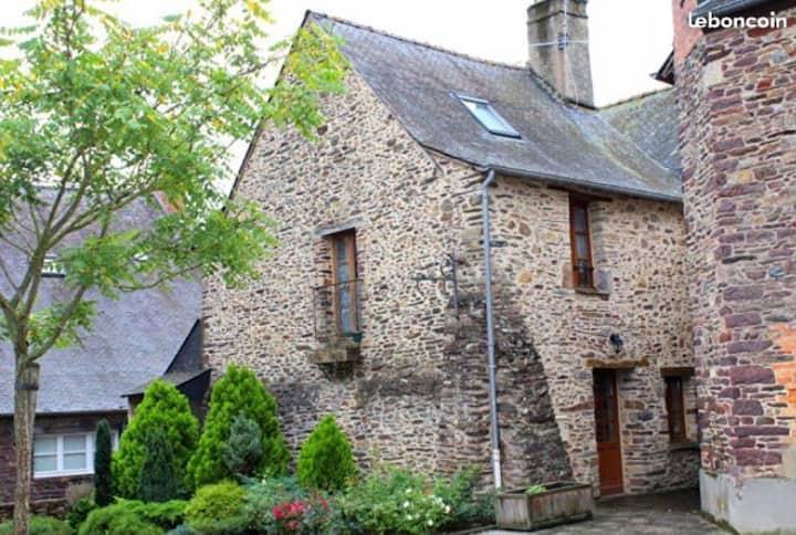 Maison ancienne dans le centre du village