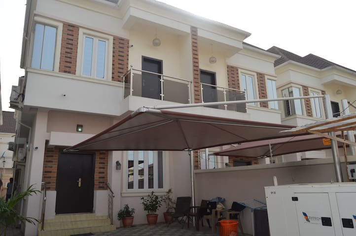 Lagos, Lekki private home  on Westend Estaste