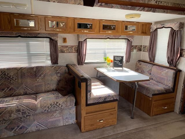 RV w/Slide out on Horse Property with Fruit Trees