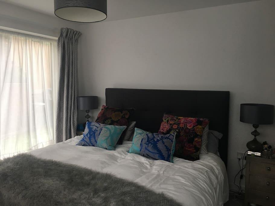 Master Bedroom, Super King bed