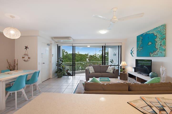 Light, Bright Noosaville apartment