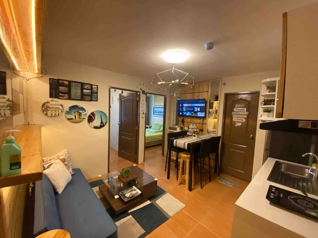 Staycation Unit at One Oasis CDO w/ wifi & netflix