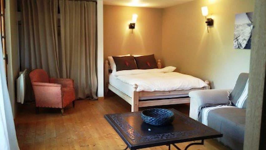 Belle chambre privée indépendante en pleine nature - Le Beausset - Casa de camp