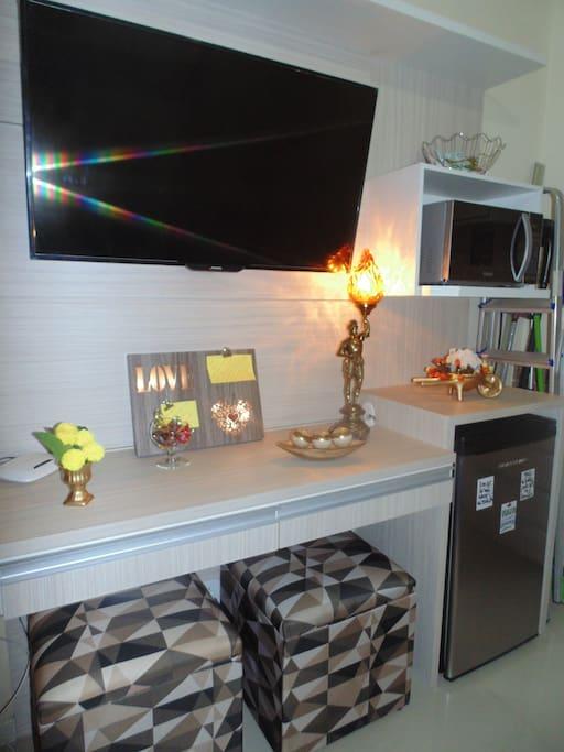 TV, Frigobar, Microondas, Ar condicionado