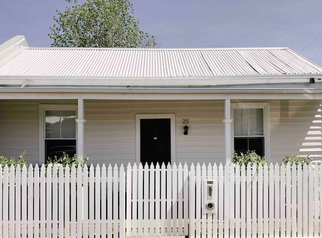 Bendigo Inner City Cottage