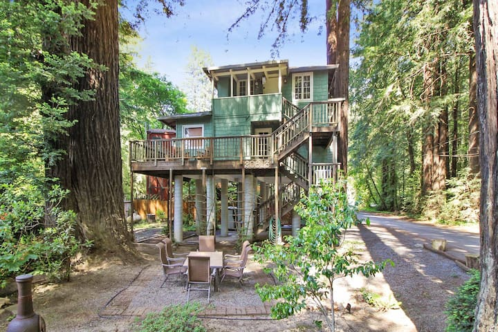 Monte Rio Treehouse - Walk to the River!