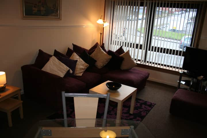 """Regent"" a  Clyde View Self Catering Apartment"