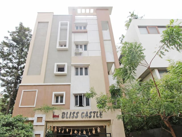 OYO - Spacious 1BR Home in Kothaguda, Hyderabad - Discounted!
