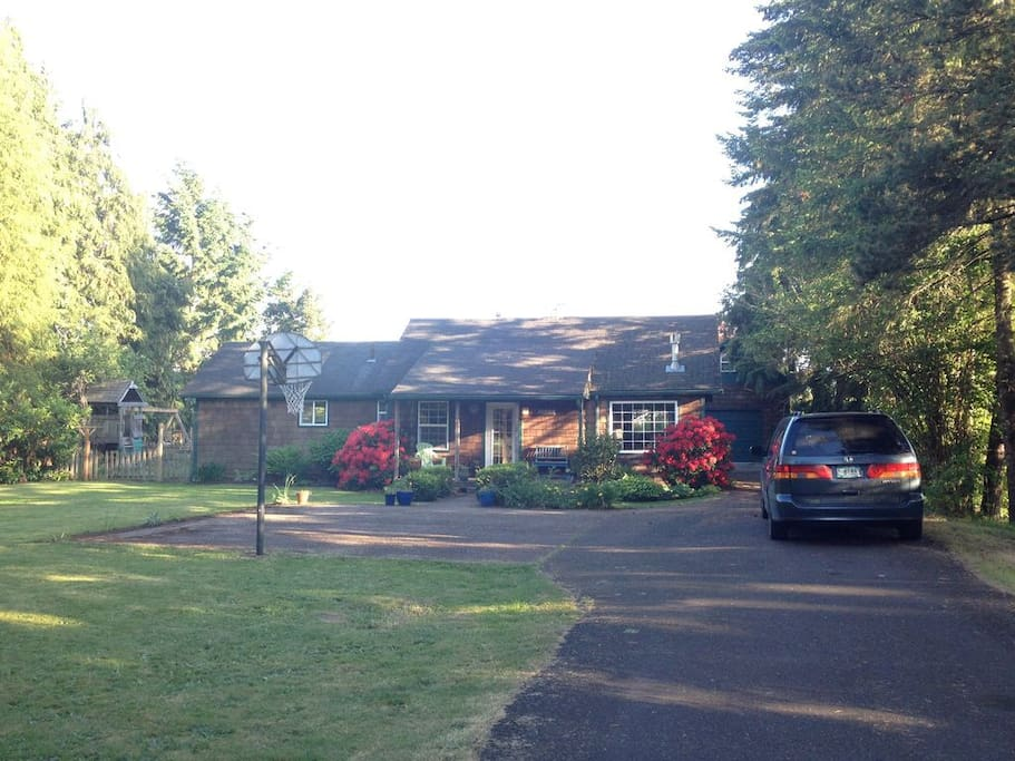 Country Charm In Town Houses For Rent In Corvallis