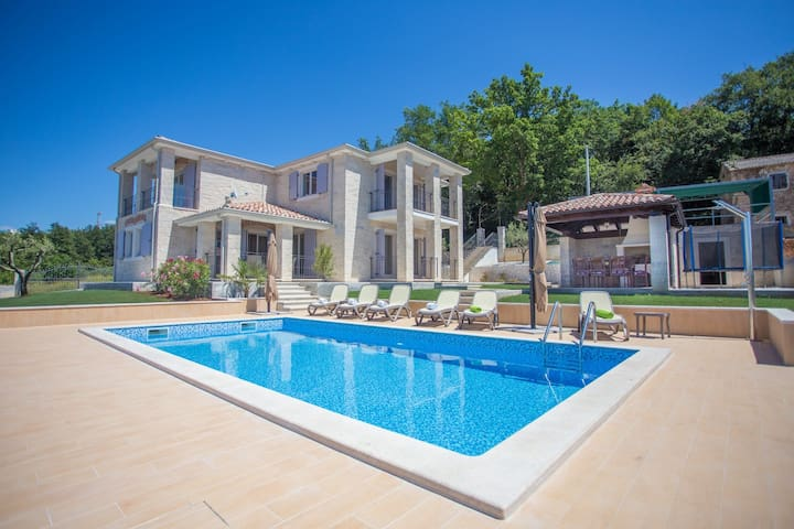 Villa Ilmea with swimming pool and great view - Vižinada - Dom
