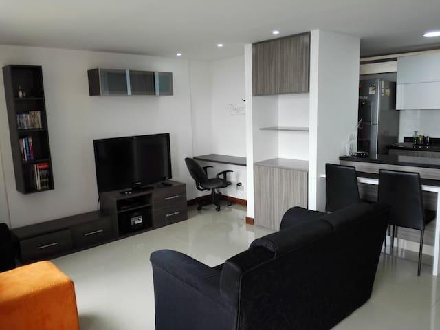 Apartamento Las Palmas El Poblado - Medellín - Pis