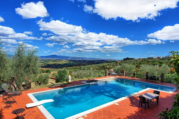 Casetta Angela - Vacation Rental with swimming pool in Lucignano, Tuscany