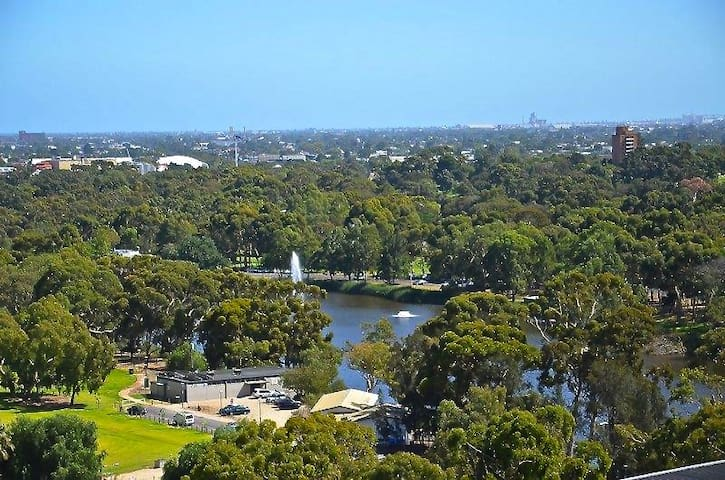 TOP DRAWER ADELAIDE CITY PENTHOUSE - Adelaide - Apartment