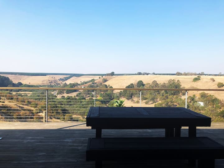 Morrisons Retreat - A picturesque farm stay