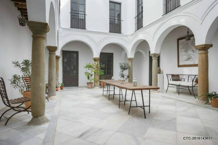 Palace in Tarifa (28 persons)