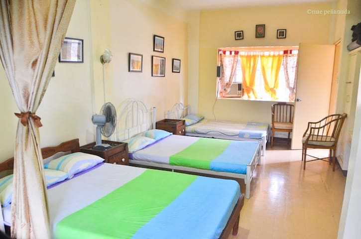 Big and spacious room in Tagaytay townhouse