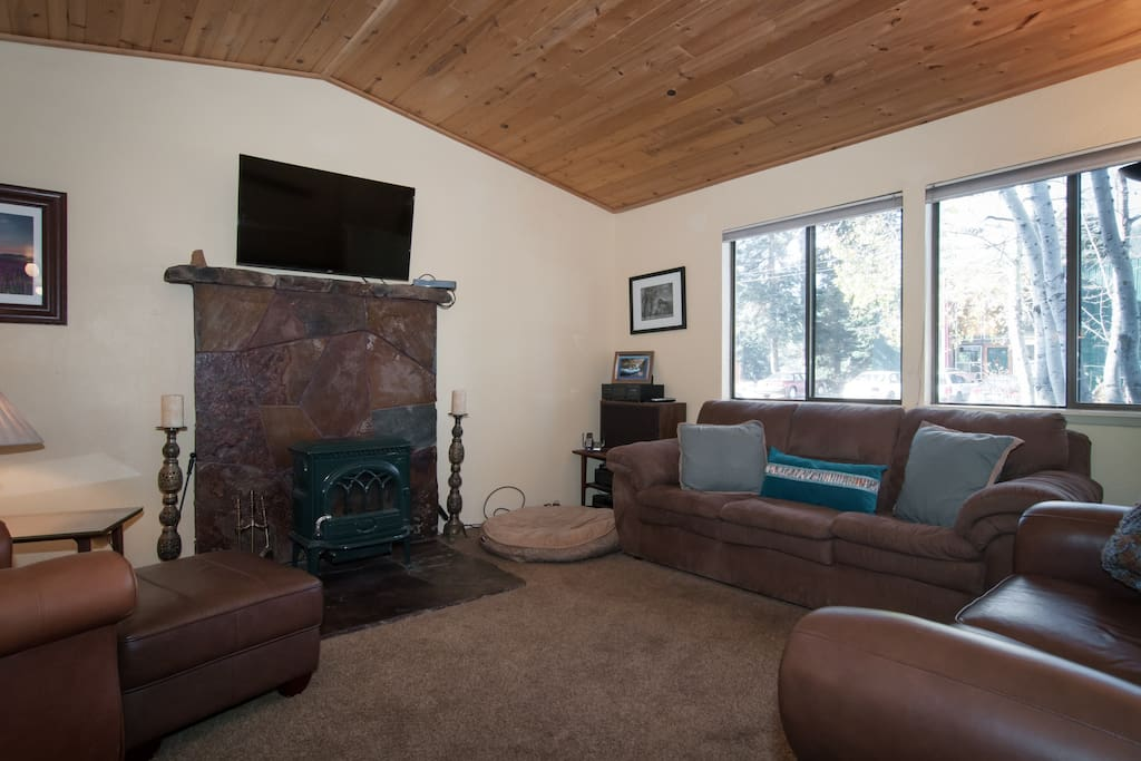 Wood fireplace in living area, bring your own store bought wood