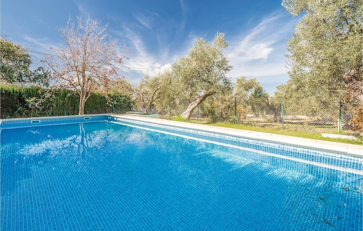 Awesome home in Ronda with 5 Bedrooms