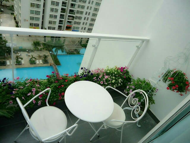Nice rooms & swimming pool, .. ect - Ho Chi Minh - Apartamento