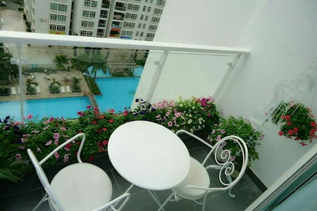 Nice rooms & swimming pool, .. ect - Ho Chi Minh - Apartment