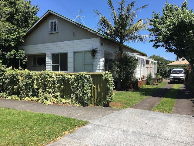Room in Epsom, an Auckland Central Suburb