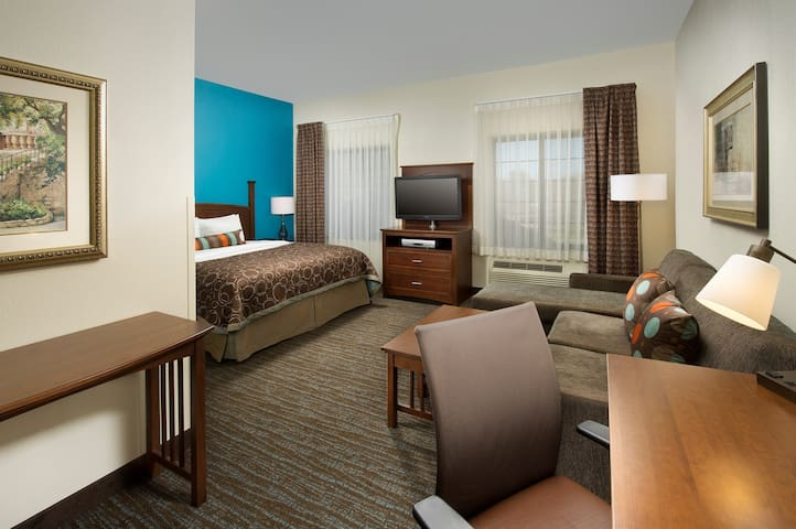 Complimentary Breakfast Buffet + Free Wi-Fi | Close to the Airport