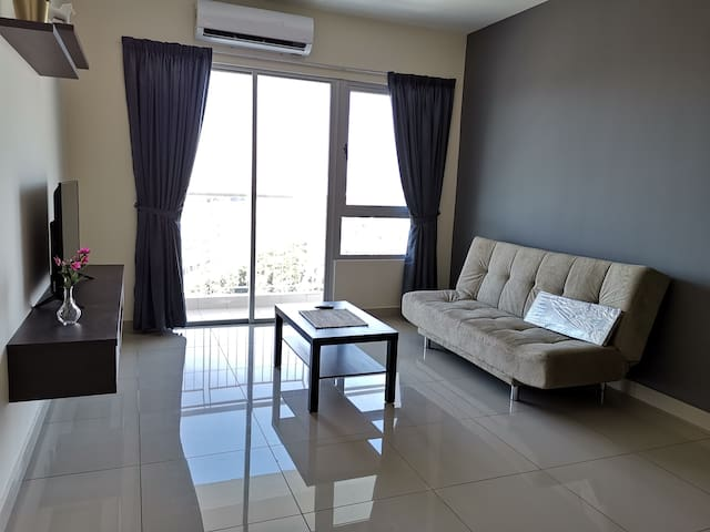 Super Nice 3R 2B Suite next to MRT Station!