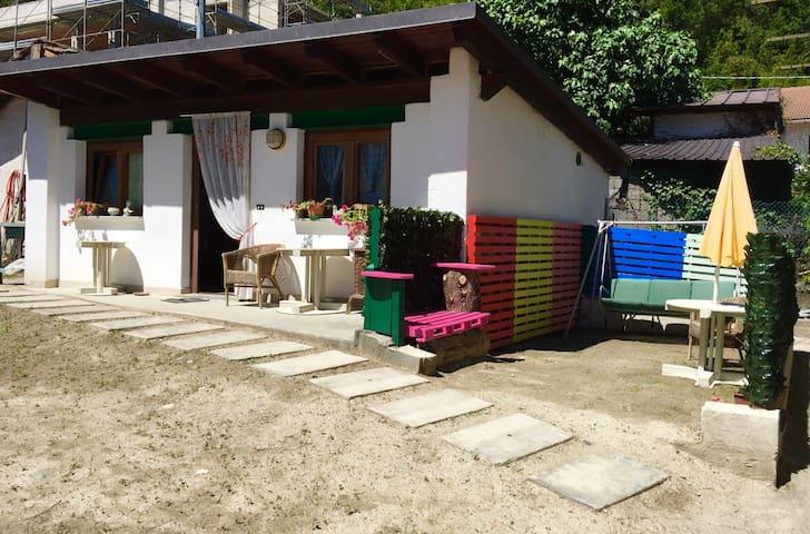 Aosta- Monolocale - Dependance - Champderaz  - บ้าน