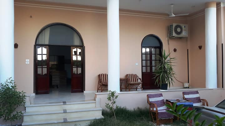 Enjoy Luxor one bedroom flat with private garden