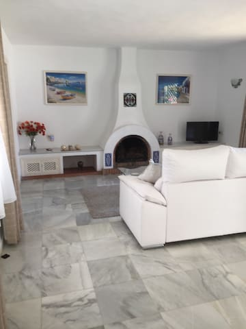 Spacious 2 Bedroom  Apartment  El paraiso Estepona - El Paraíso - Flat