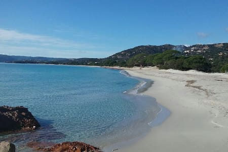 VILLA 4PERS CLIMATISEE PLAGE DE PALOMBAGGIA - ポルトヴェッキオ