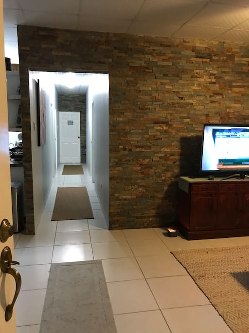 Entryway - bedrooms located down the hall