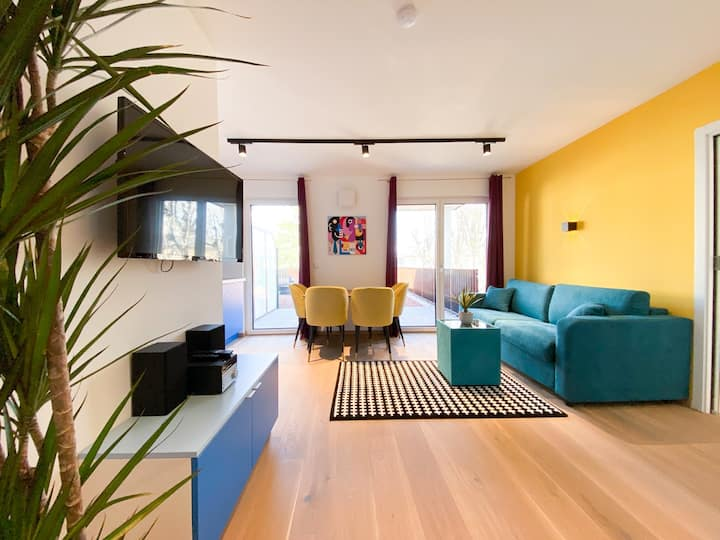 "Apartment ""Creativ"" Top 14 with balcony"