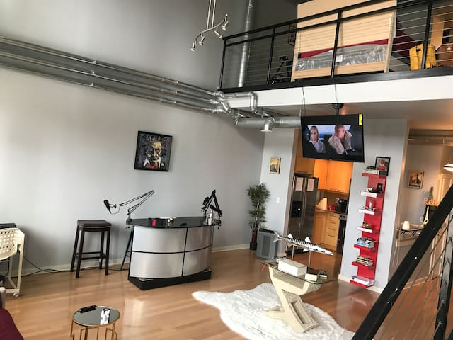 Creative 420 Friendly  Loft Heart of Atlanta