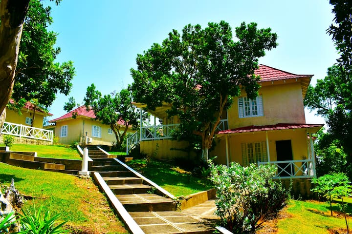 Inviting 1 Bedroom Villa (Fan) - Fairy Hill - Villa