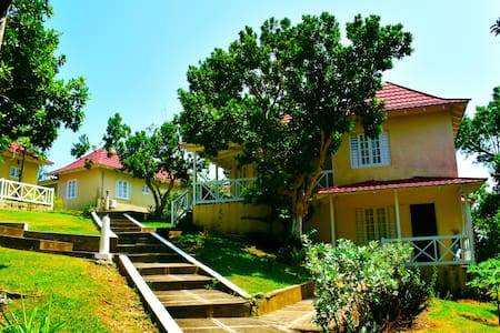 Inviting 1 Bedroom Villa (Fan) - Fairy Hill - Huvila