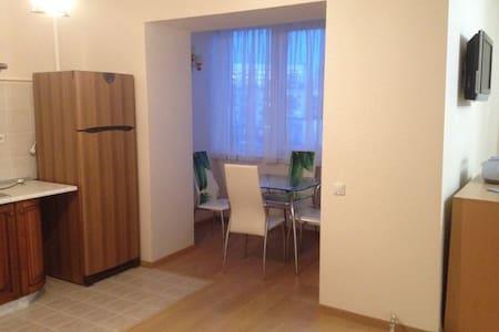 Уютная студия - Velikiy Novgorod - 公寓