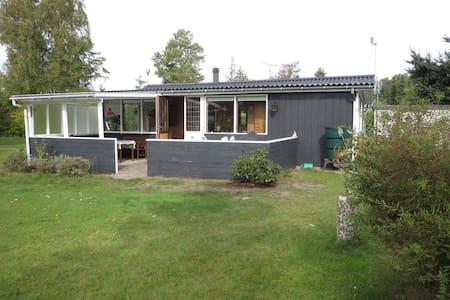 Marielyst Falster, Bøtø, 4873 Væggerløse - Væggerløse - Kabin