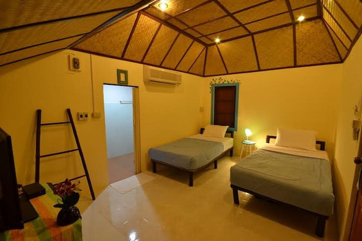 Regal Cottage at Chiang Mai! - Chiang Mai - House