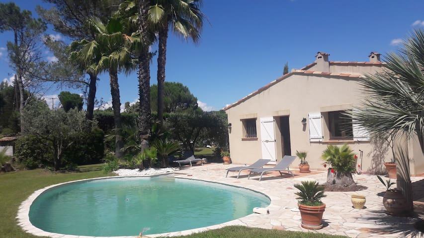 Jolie propriété provençale avec piscine