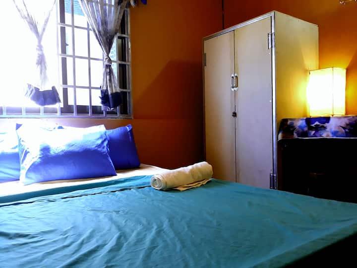 Vanny's D2 @ Russian market (Room rent $120/month)