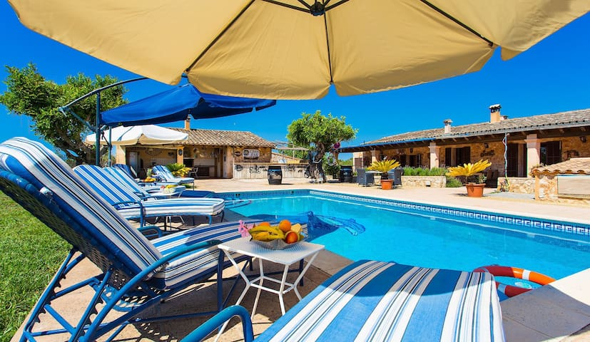Harley-Finca Mallorca  mit Pool für 12 Personen