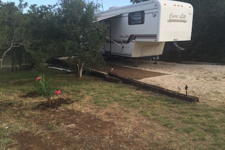 Country Guest House Close to Town - San Marcos - Camper/RV