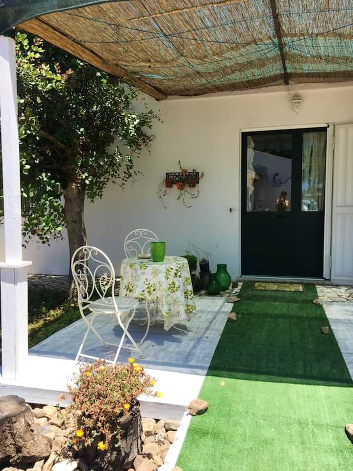 House with one bedroom in Assemini, with furnished garden and WiFi - 12 km from the beach