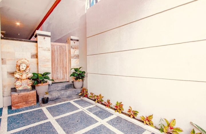 Jimbaran 5 Guest House