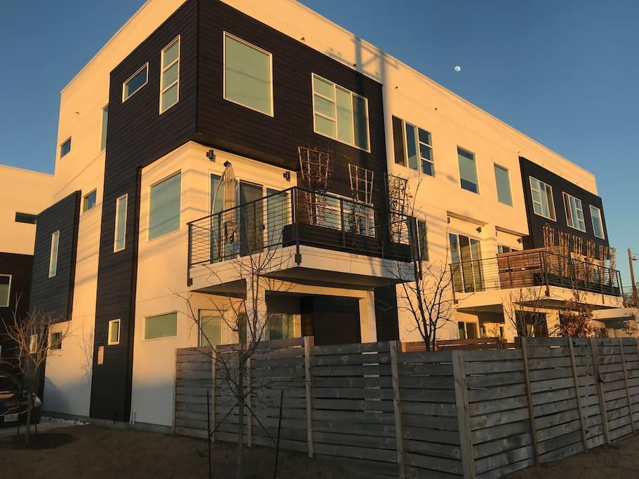 New three-story condo on the corner of Tillery & 5th street