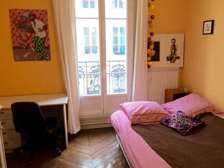 Chambre de charme aux batignolles appartements louer for Chambre de charme paris