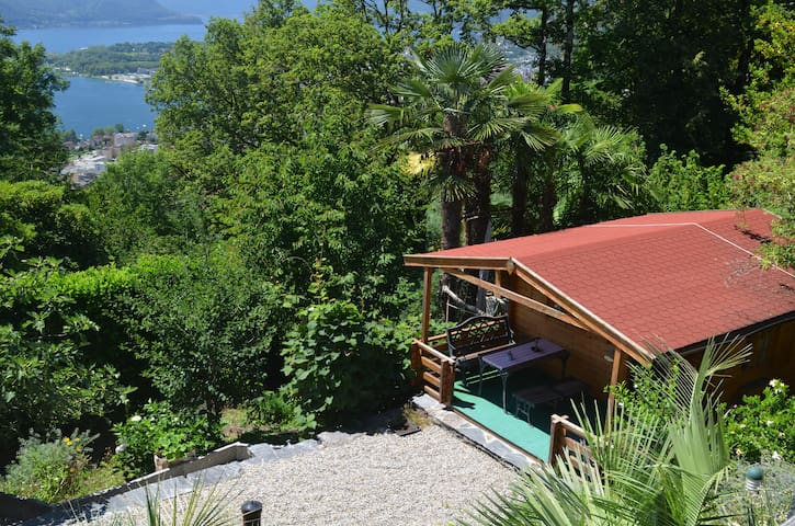 In the middle of nature but still close to town - Brione sopra Minusio - Cabin