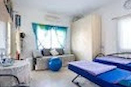 Friendly room near the beach - Nahariyya - Apartemen